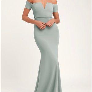 NWT! Lynne off the shoulder maxi dress